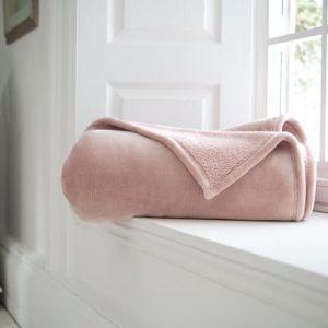 Fleece Pink Throw
