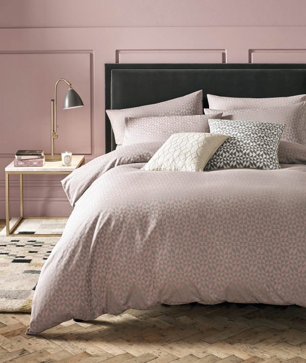 Girly Pink & Grey Geometric Bedding