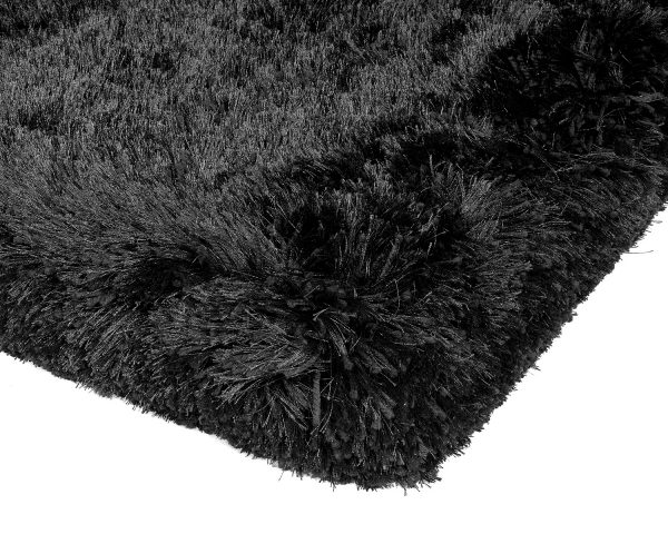 Heavy weight shaggy rug in a strong black