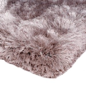 Heavy weight shaggy rug in a subtle lilac