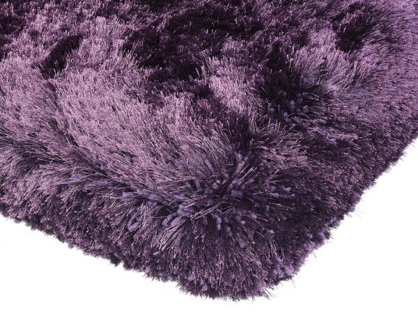 Heavy weight shaggy rug in a strong purple