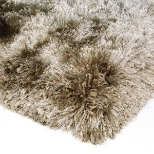 Heavy weight shaggy rug in a taupe/mushroom colour