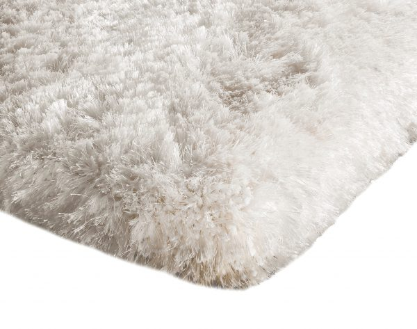 Heavy weight shaggy rug in pure white
