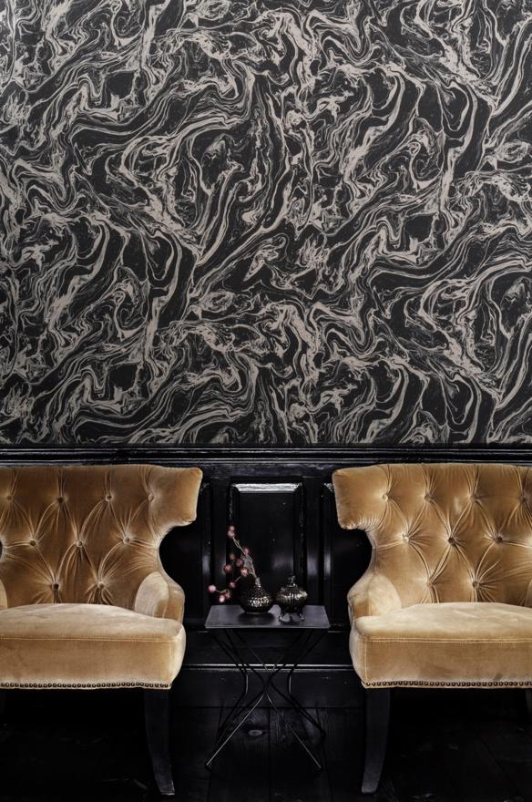 Tektura Wallcovering Silver Oil Pattern on Black Background