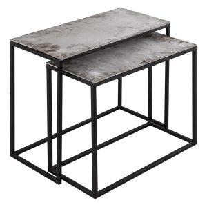 Farrah 2 tables